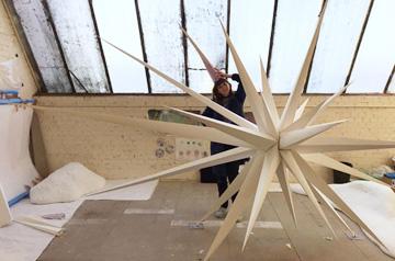 Swarovski Paper Stars Making of